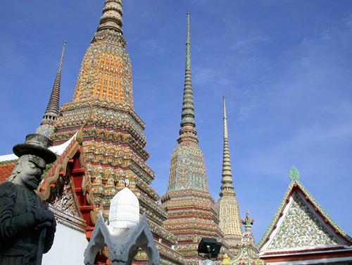 Masaje tradicional tailandés. Wat Po, en Bangkok, es el mejor lugar donde recibirlo