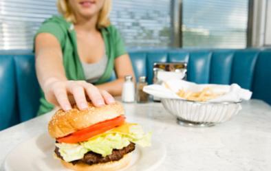Malos hábitos alimenticios en adolescentes