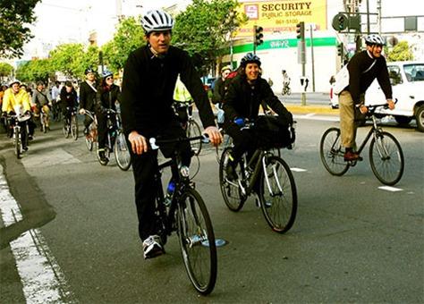 gavin-newsom-sf-bike-01