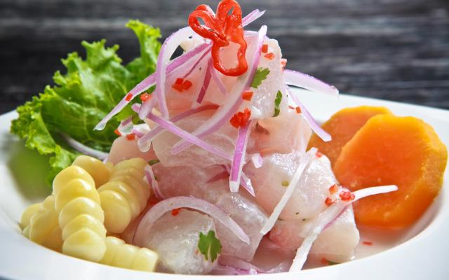 Ceviche de pescado comida peruana