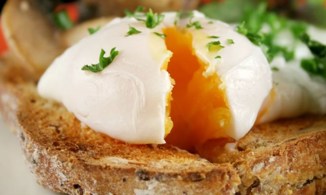 Receta de huevos escalfados al microondas
