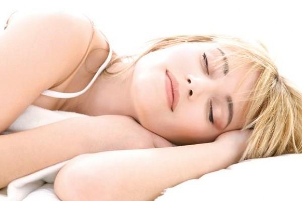 dormir-bien-y-bajar-de-peso