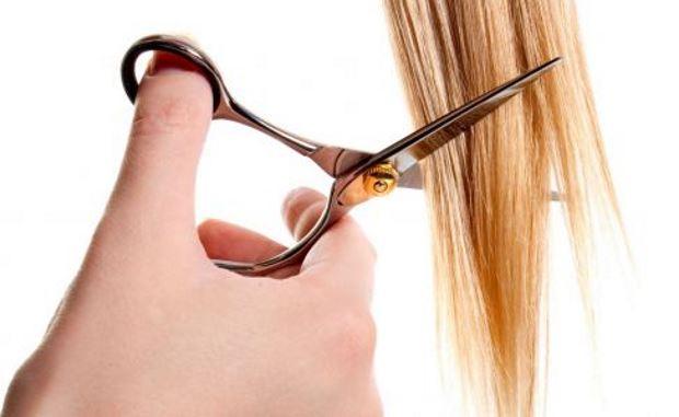 como cortar las puntas del pelo