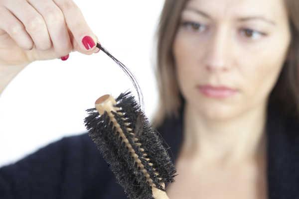 Como controlar la caída del cabello