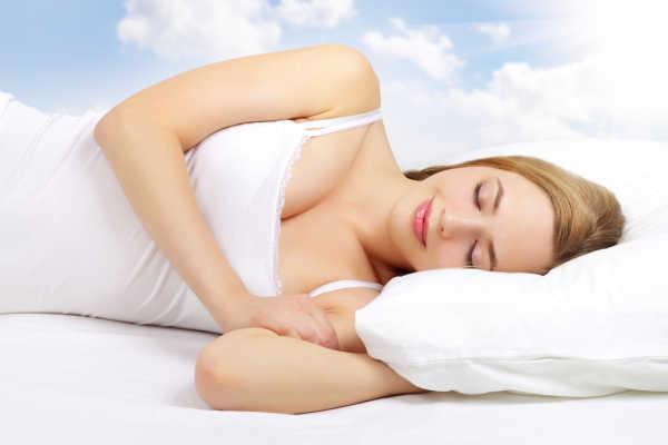 Cual es la mejor manera de dormir para prevenir problemas