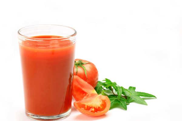 Jugo de tomate propiedades y la mejor manera de consumir