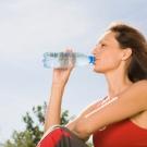 10-habitos-saludables-beber-agua.jpg