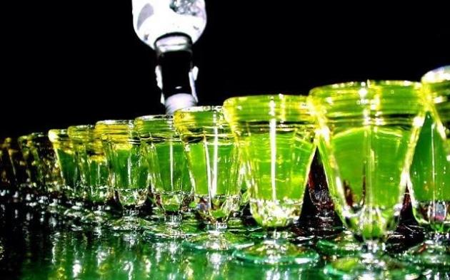La dependencia alcohólica en las estampas de la estampa