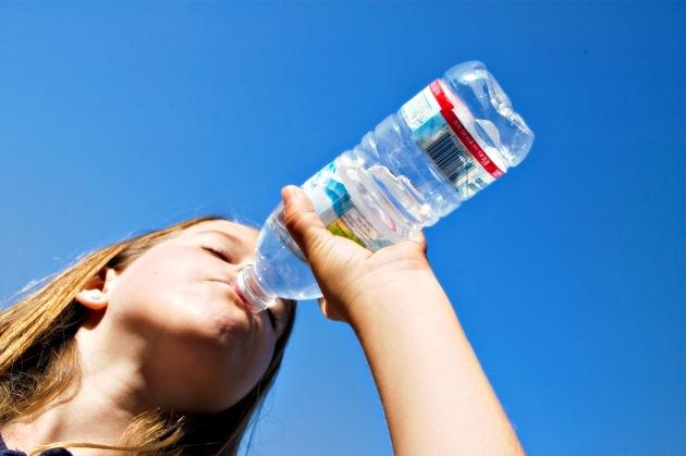 Alimentos para eliminar líquidos agua.jpg