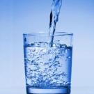 Alimentos para fortalecer el sistema inmune_agua.jpg